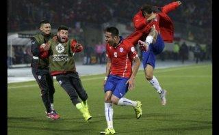 Mauricio Isla marcó el 1-0 de Chile ante Uruguay (VIDEO)