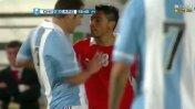 En el 2012 Gonzalo Jara le hizo a Higuaín lo mismo que a Cavani