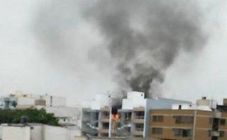 San Borja: incendio destruyó departamento en un cuarto piso