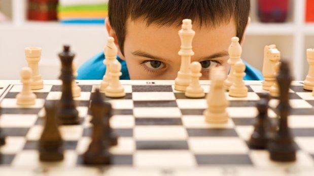 ¿Por qué es bueno que tus hijos jueguen ajedrez?
