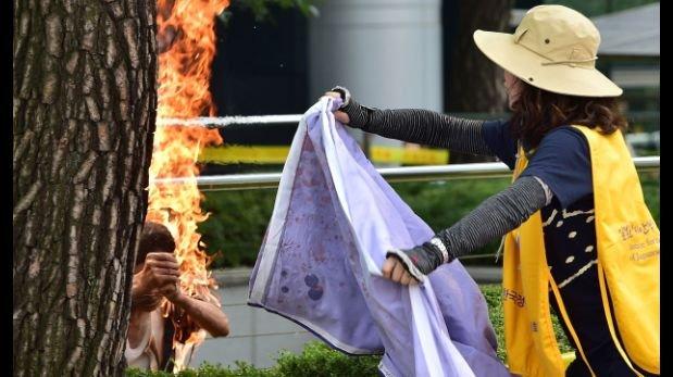 Surcoreano se prende fuego en un acto contra Japón