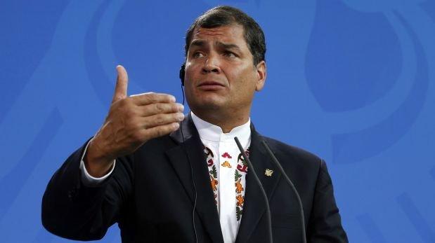 Ecuador: Correa reconoce durísima situación por baja del crudo