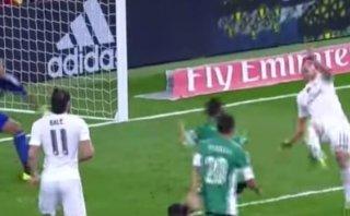 James Rodríguez deleitó al Bernabéu con este golazo de chalaca