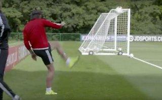 Gareth Bale hizo un gol imposible desde atrás del arco [VIDEO]