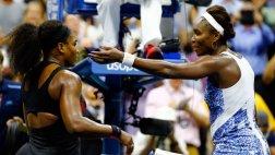 US Open: Serena Williams venció a su hermana y avanzó a semis