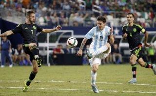 Con golazo, Messi dio el empate 2-2 de Argentina ante México