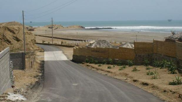 Invaden zona intangible y patrimonio cultural en playa Lobitos