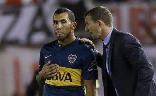 Está de malas: Carlos Tevez falló penal en partido de Boca