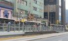 Metropolitano: caos por vuelco de coaster en carril exclusivo