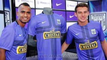 Alianza Lima  la tradicional camiseta morada en últimos 15 años 5ed8cbcd65e04