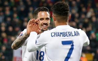 Inglaterra goleó a Lituania y completó puntaje perfecto