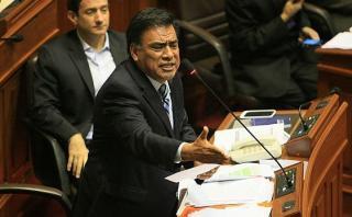 """Velásquez: """"Cateriano y Pérez Guadalupe deben ser interpelados"""""""