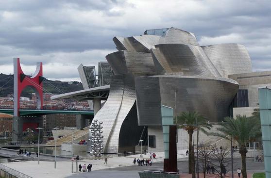 Bilbao: recórrela a pie para descubrir lo que esconde