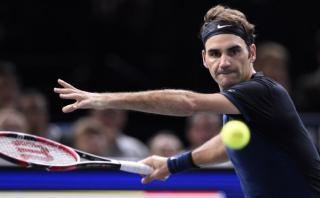 Roger Federer eliminado del Masters de París al caer ante Isner