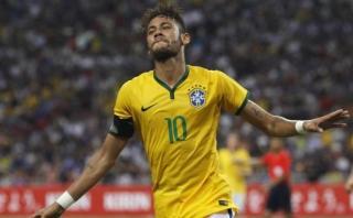 Neymar recibió bienvenida de dos referentes de Brasil [VIDEO]