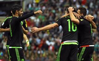 México goleó 3-0 a El Salvador en debut en Eliminatorias