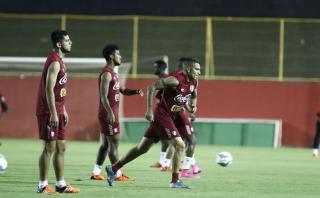 Selección peruana cumplió último entrenamiento en Bahía