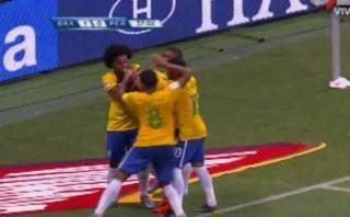 Brasil: jugadón de Douglas Costa y golazo de Renato para el 2-0