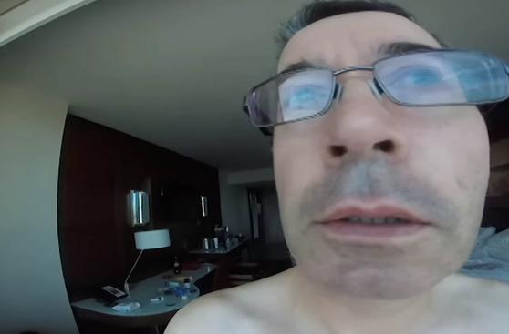 Grabó todo su viaje a Las Vegas... pero en modo selfie