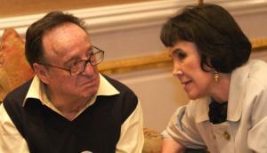 Florinda organiza misa por aniversario de muerte de Chespirito