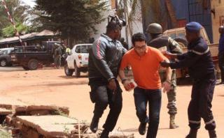 Mali: Toma de rehenes dejó al menos 20 personas muertas [VIDEO]