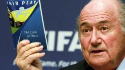 Blatter también afronta posible suspensión de por vida de FIFA