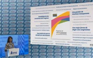 CADE: Transparencia presentó 32 propuestas de reforma política