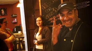 El anticucho de Danny Justo deja huella en El Callao