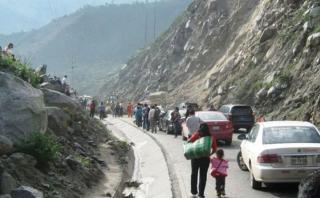 Chaclacayo: rocas caen en Carretera Central y causan congestión
