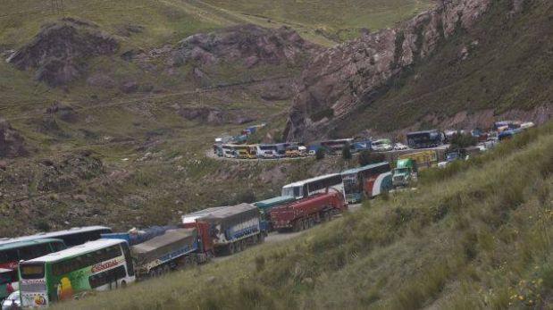 Carretera Central: tránsito paralizado tras choque de camiones