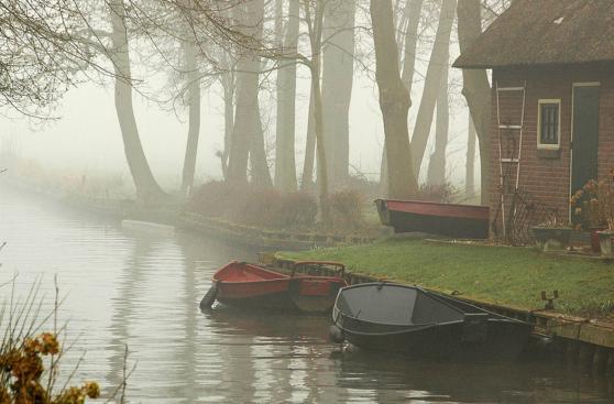 Las calles de este pueblo en Holanda son de agua