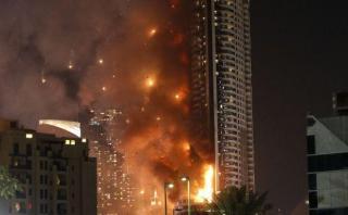 Enorme incendio consumió un lujoso hotel en Dubái