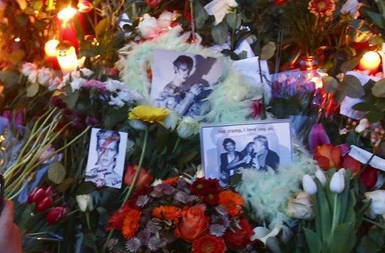 Londres y el resto del mundo lloran la muerte de David Bowie