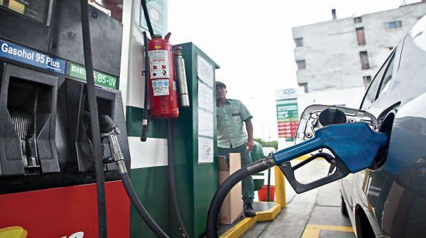 Con rebaja de ayer, los combustibles se reducen un 3% en el año
