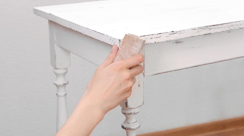 C Mo Pintar Tus Muebles De Blanco Envejecido Casa Y M S Hazlo  # Muebles Efecto Desgastado