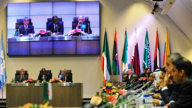 Irán y Rusia apoyan reunión de emergencia de la OPEP