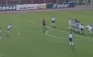Tevez y un gol de tiro libre a Perú que no olvidaremos [VIDEO]