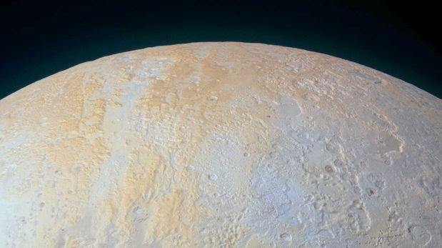 La NASA muestra en detalle el polo norte de Plutón