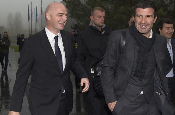 Nuevo presidente de la FIFA asumió cargo jugando fútbol [FOTOS]
