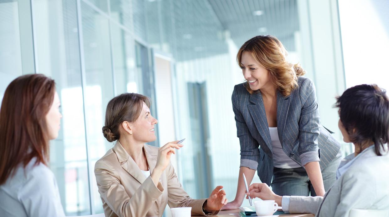 Empresas con mujeres al mando son más rentables, según estudio