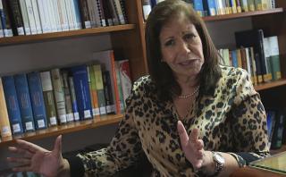 """Lourdes Flores: """"Candidatura de Acuña está seriamente dañada"""""""