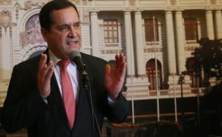"""Luis Iberico: """"Pagaron el pato César Acuña y Julio Guzmán"""""""