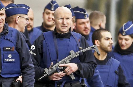 Bruselas: Redada antiterrorista deja varios policías heridos
