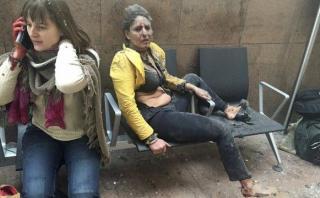 Ataques en Bruselas: la mujer cuya imagen ha impactado al mundo