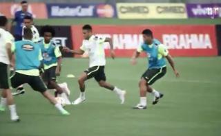 Nadie para a Neymar, ni en entrenamiento de Brasil (VIDEO)