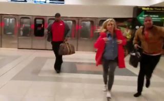 Pánico en aeropuerto de Atlanta por paquete sospechoso [VIDEO]