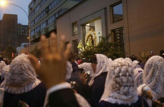 Semana Santa: Señor de los Milagros recorre el Centro de Lima