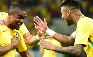Brasil vs. Uruguay: el gol de Douglas Costa a los 40 segundos