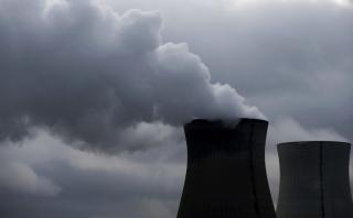 Bélgica: Matan a guardia de central nuclear y roban sus accesos