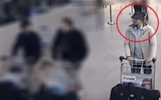 Bruselas: Difunden video del terrorista del sombrero, aún libre